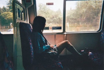 bus-girl-pretty-train-Favim.com-188578