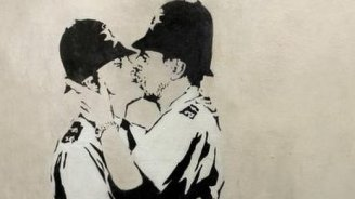 Kissing-Coppers
